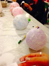 Making igloos in the kids art class