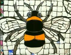c34937bd4d3d7d937f1167aa686daee1-bee-resized